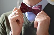 Corbata de moño y sweater
